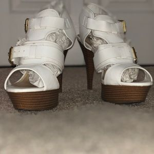 "White and brown 5"" heels"